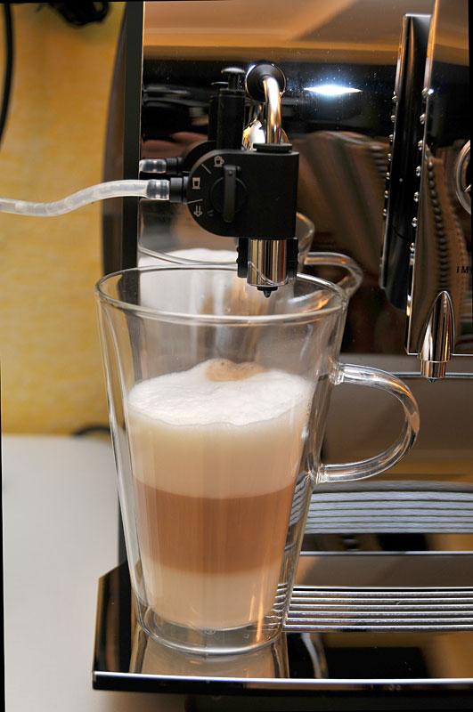 sondage qui fait le meilleur caf la maison page 4 cafeti res maison. Black Bedroom Furniture Sets. Home Design Ideas
